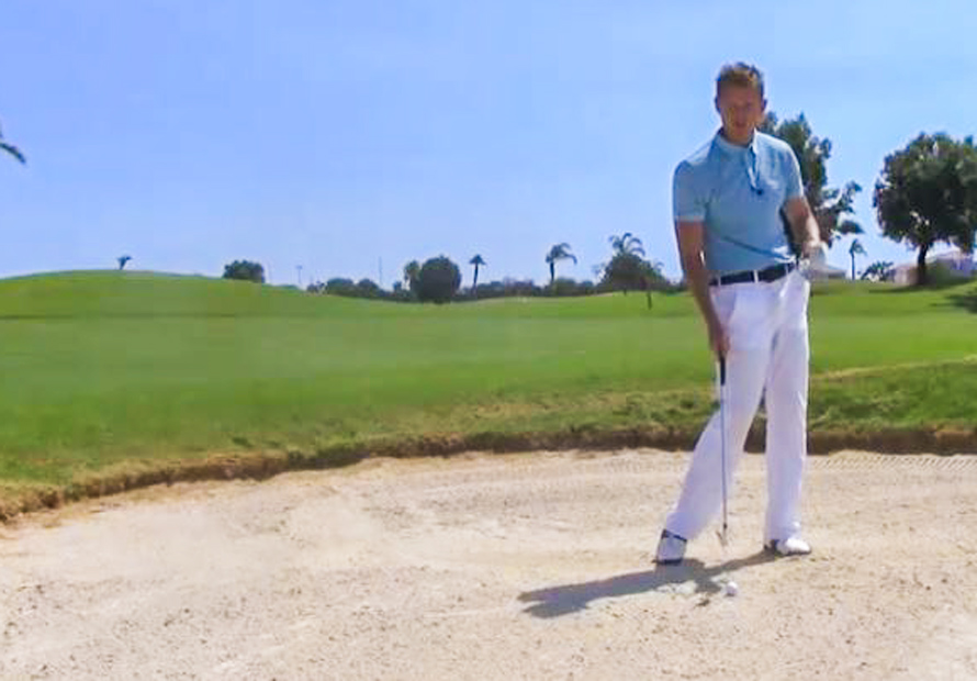 How-to-play-from-fairway-bunkers